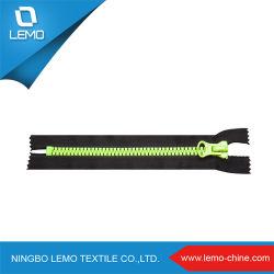 Zipper In Plastica Di Grandi Dimensioni Con Apertura Finale