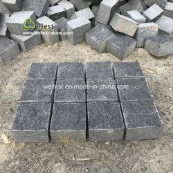 屋外の舗装のための自然な石造りのペーバーの黒の玄武岩の玉石