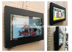 Display LCD esterno della stazione ferroviaria