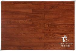 Un revêtement de sol en bois massif d'acacia, de planchers de bois. Handscraped, UV Laque, le plancher en bois