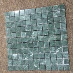 자연이 짙은 녹색 정사각형 조각 대리석 돌 모자이크 패턴
