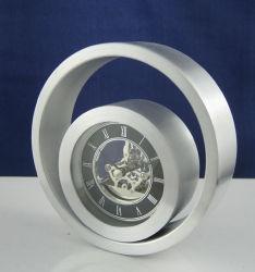 금속 해골 시계