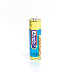 Batterie principale de la Chine les fournisseurs OEM 1,5V Package rétractables de la batterie de piles alcalines AA LR6 pile sèche