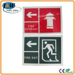 Instalaciones contra incendios la señal de advertencia, signo de advertencia de peligro