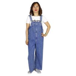 Jeans denim estilo peto de señora