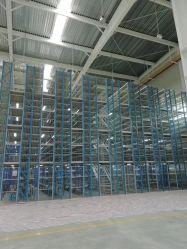 منصة معدنية عالية السعة من الفولاذ، مساحة تخزين على حامل للتثبيت على الأرض من خلال منصة توصيل فرعية هيكل فولاذي