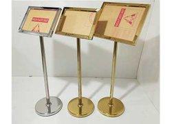 최신 판매 황금 광고 포스터 대 홀더 금속 A4 표시 홀더