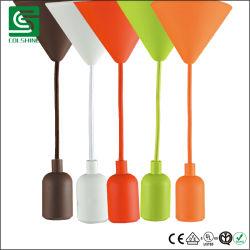 Poignée de commande des feux de silicium coloré moderne E27 Socket avec plafond en plastique de la canopée de fil textile