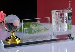 Mayorista de la fábrica de vidrio de recuerdos Estudiante mundo titular de la pluma de regalo promocional papelería la decoración del hogar Crystal Craft de suministro de oficina