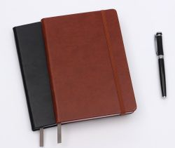 Het Vriendschappelijke Pu A5 Notitieboekje van Eco met Aangepast Embleem
