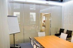 La mejor calidad de color blanco de cortina eléctrica autoadhesiva Anti-UV Pdlc Cine inteligente