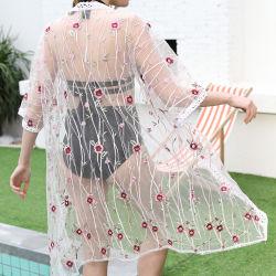 Los bordados de flores de color blanco de la mujer trajes de baño Trajes de Baño Cardigan largo blusa de encaje
