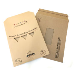 習慣によって印刷されるブラウンクラフト紙の郵便利用者郵送袋
