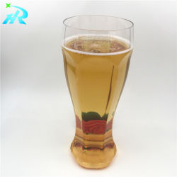 Plastikwort höhlt Bier-Becher