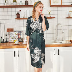 De nieuwe Robe van de Nachtkleding van het Huis van het Kledingstuk van de Ochtend van de Zijde van de Stijl Sexy Mooie Japanse