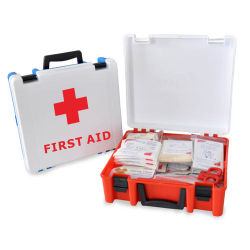 На заводе выживания медицинской техники безопасности для оказания первой помощи в чрезвычайных ситуациях в салоне