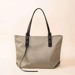 女性のショルダー・バッグの粋で贅沢なハンドバッグの中国の工場在庫のハンドバッグのためのTote Handbag 2020秋の方法女性
