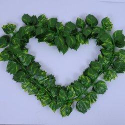 De Groene Kunstmatige Wijnstokken van uitstekende kwaliteit voor Bladeren Scindapsus van de Speelplaats van de Decoratie van Muren de Binnen Plastic