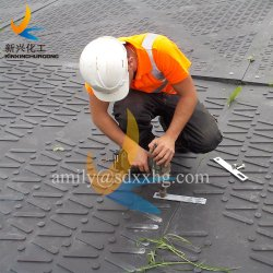 Le plastique ultra haut poids moléculaire feuille de polyéthylène (UHMWPE) de la construction d'accès routier temporaire tapis/de bord