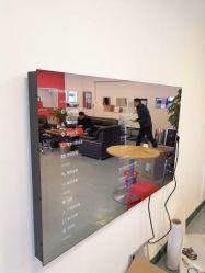 Salle de bains 32 pouces monté sur un mur Smart Miroir Magique de la publicité d'affichage vidéo ad joueur avec les prévisions météorologiques et News TV