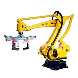 Robot di trasporto con palette automatico di ABB nella catena di imballaggio