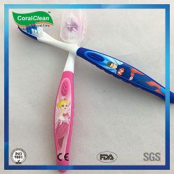 La impresión de dibujos animados de la moda de filamentos de nylon cepillo de dientes para niños