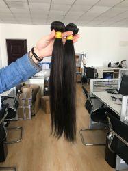 El cabello humano 100% naturales de los paquetes de color negro recto