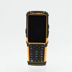 4G/Bluetooth/WiFi OS Android PDA tenuto in mano con lo scanner ultra ad alta frequenza Ts-901 del codice a barre di RFID