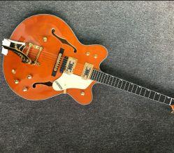 二重FのBigsbyのTremoloジャズギターが付いている高品質の半空ジャズエレキギターはジャズギターの自由な出荷に穴をあける