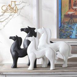 Matt artesanais branco e preto Cavalo de cerâmica artesanal para decoração