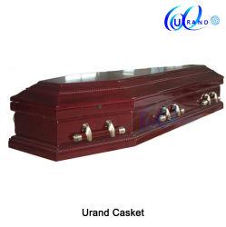 サテンの内部の木の棺とヨーロッパ式卸売