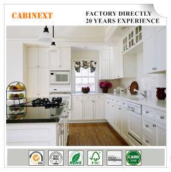 На заводе американском стиле современной кухни шкафы белый цельной древесины вибрационного сита