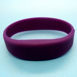 Customized 125kHz tamanhos promocionais Molde em4200/ TK4100 RFID Silicoin Pulseira / Bracelete para os amantes