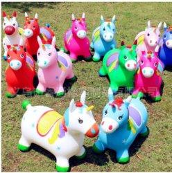 Der neue verdicken Montierung Musik angestrichenen Vaulting-Pferden-Einhorn-aufblasbaren Spielzeug-Kinder Stall-Pferd