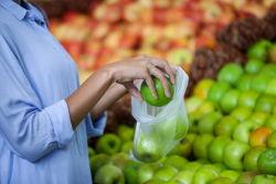 Freies Speicherfrisches Verpackungs-Lebensmittelgeschäft-PlastikFeinkostgeschäft und Frucht, die Schnellimbiss-Grad-Rollenbeutel verpackt