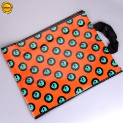 Sinicline nichtgewebter Beutel mit fantastischer bunter voller Drucken-Film-weichem Griff in der Qualität für Kleid-Kleidungs-Kleid