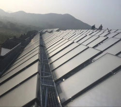 太陽給湯装置の太陽熱コレクターの高く選択的な太陽吸収物のコーティングアルミニウムシート