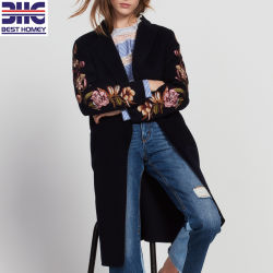 Les femmes de la laine et coton Pull col italien mi-longueur long manteau pour l'hiver avec broderie pour dames de conception