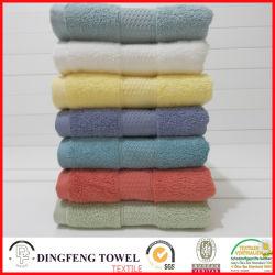 2016 Sales caldo Organic 100% Cotton Thick Jacquard Bath Towel con Satin Border Df-S365