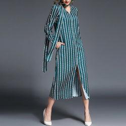 Hot vendre encolure en V européenne satin robe longue fente d'impression ceinturons
