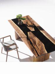 生きている端のクルミの固体木のテーブルの上の/Walnutの肉屋ブロックの上の/Epoxyの樹脂の川表の終わり/自然な木製表/カウンタートップの木製のダイニングテーブル