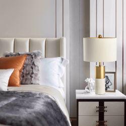 居間、寝室のためのファブリック陰とのポストモダンの贅沢で白い大理石の卓上スタンドの照明