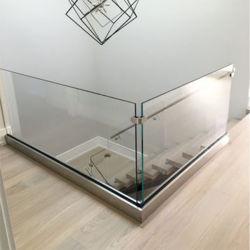 أجهزة الزجاج المقسّى المعوّلة بأسعار جيدة قناة يو و درابزين