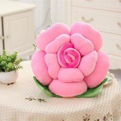 وسادة من نسيج البلش على شكل زهرة رومنسية