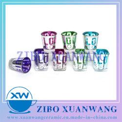 La galvanoplastie populaires Shot verre avec l'intérieur de la vente de l'élément en verre de couleur chaude de la Verrerie