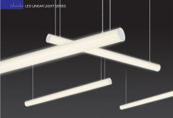 Diffusore PMMA ad alta trasmittanza progettato appositamente per l'ufficio LED da 20 W. Pendente lineare per luce LED ad alto vano con sospensione industriale Lampada