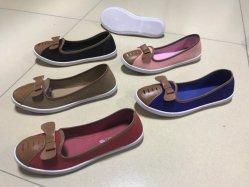Nouveau design Slip-sur les femmes chaussures en toile PVC d'injection occasionnels Py180609-44