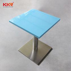 Камень за круглым столом кофе ужин поверхности стола