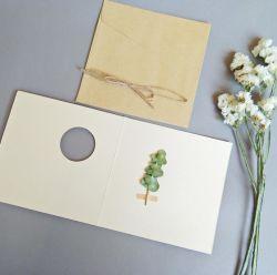 型の芸術の乾燥した花の挨拶状