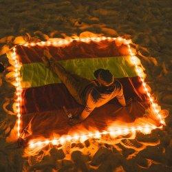 Stuoia di nylon libera della spiaggia della coperta dei paracadute della prova della sabbia con gli indicatori luminosi per la spiaggia di estate, picnic del LED, facente un'escursione